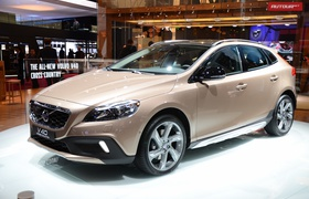 Paris'2012: Volvo V40 Cross Country своими глазами