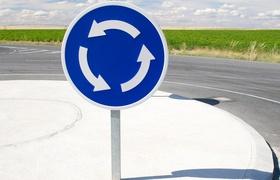 Кабинет министров изменил правила проезда перекрестков с круговым движением (обновлено)