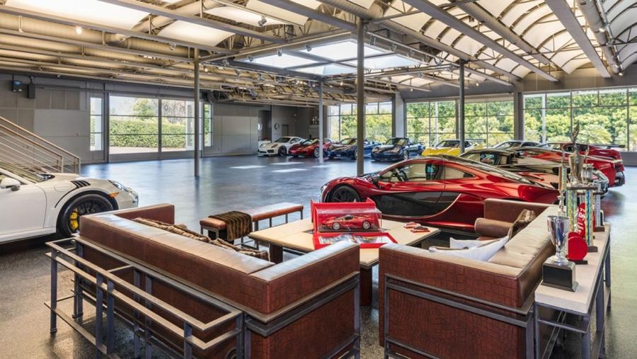 автомобильный гараж