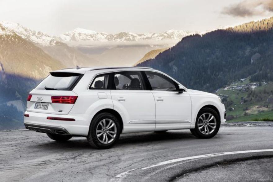 Audi выпустила самую дешёвую и экономичную версию Q7