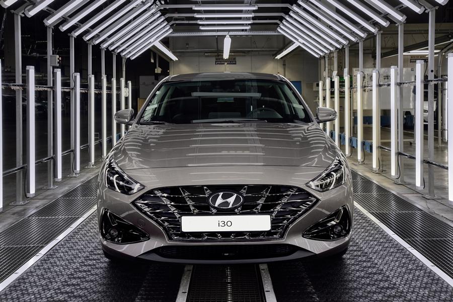 Hyundai запускает в серию обновленное семейство i30
