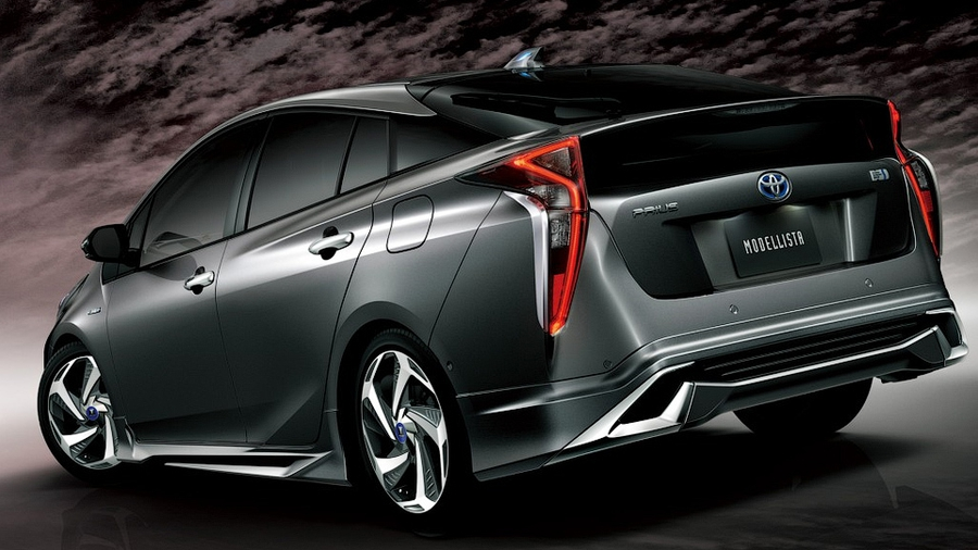 Toyota Prius by Modellista
