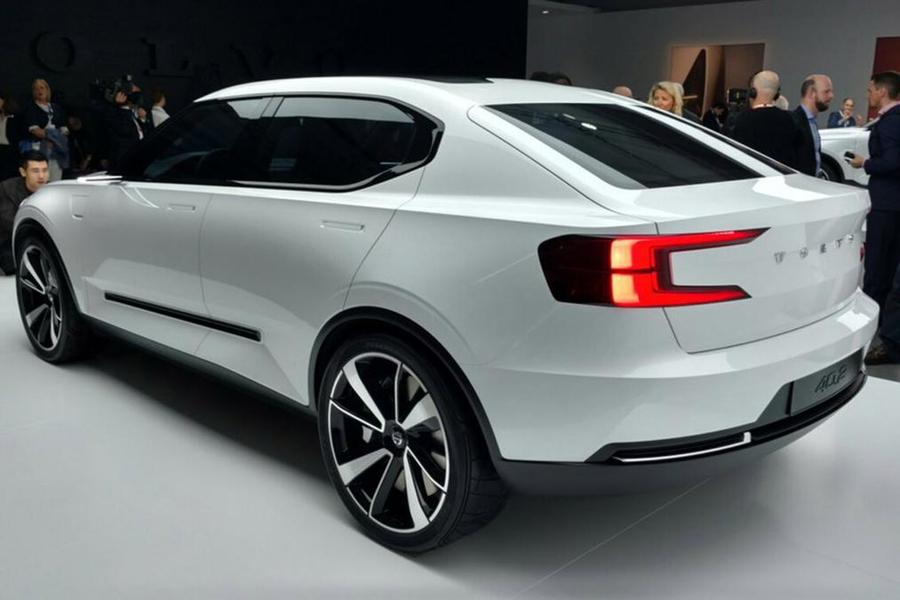 Предвестник модели V40 - концепт Volvo 40.2