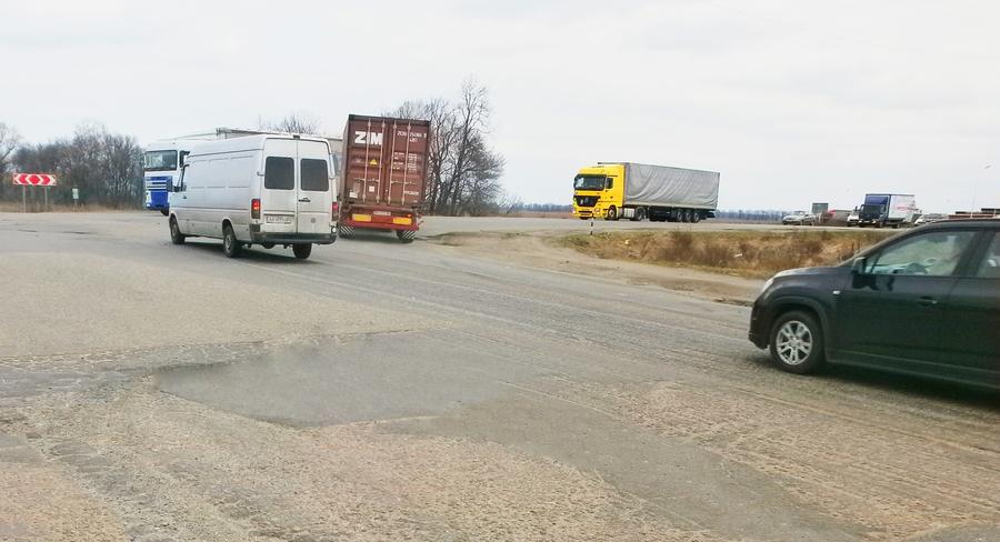 Перекресток на дороге Р-03