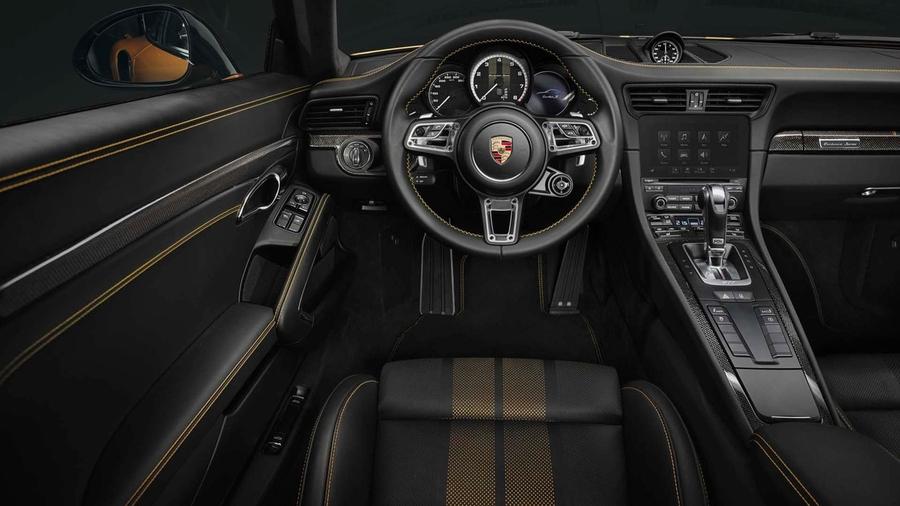 Салон 911 Turbo S Exclusive Series