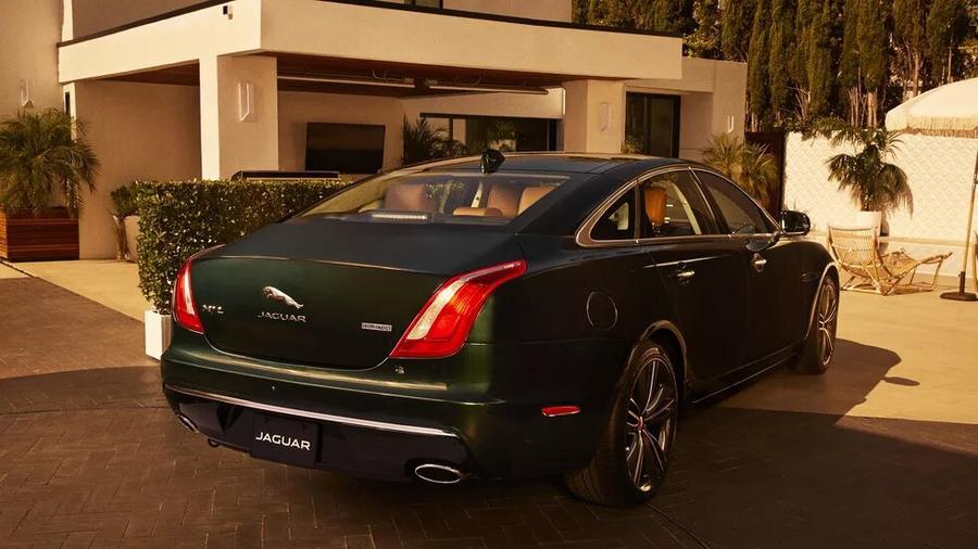 Jaguar XJ Collection