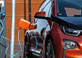 Германия утвердила скидку в 4000 евро покупателям электромобилей