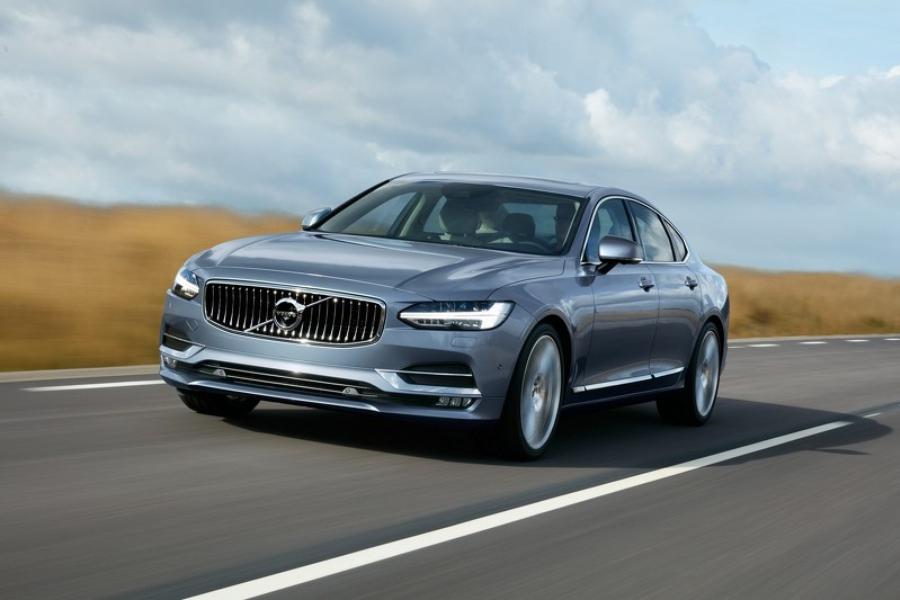 Volvo S90 - лучший автомобиль люкс-класса