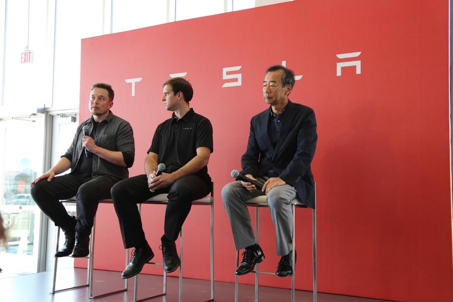 Открытие Tesla Gigafactory