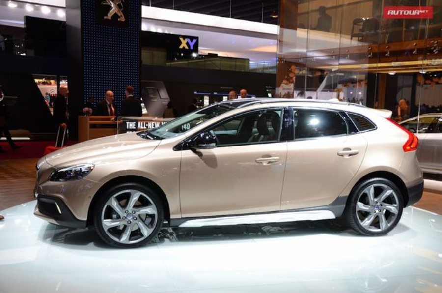 Volvo V40 Cross County — экстерьер