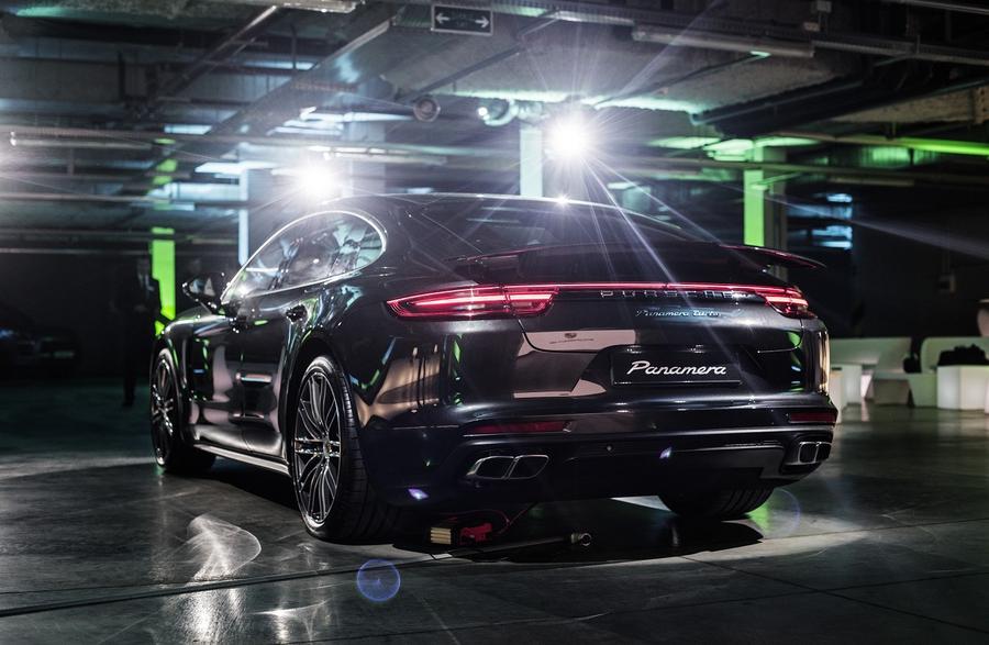 Porsche Panamera 2 в Украине