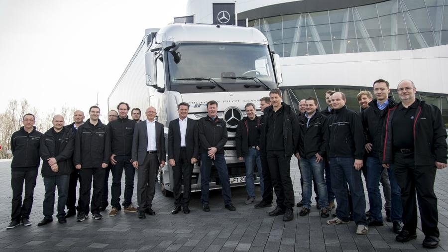Беспилотные грузовики Mercedes-Benz