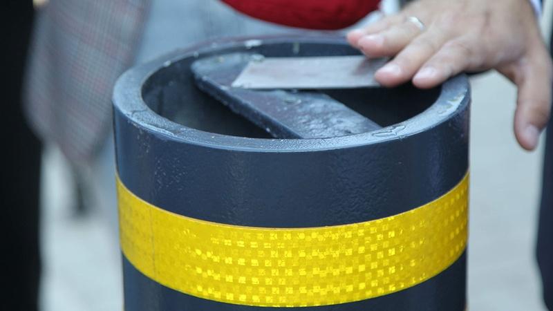 В Киеве установили первую систему защиты автобусных остановок от тарана  автомобилем