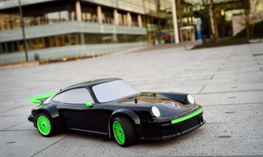 Прототип автомобиля, работающего на кислоте
