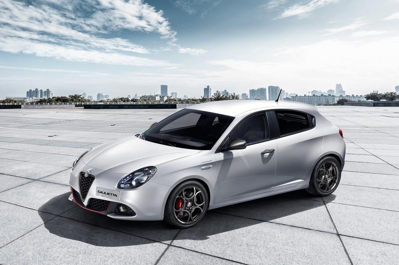 Alfa Romeo Giulietta обновилась без видимых изменений (видео)