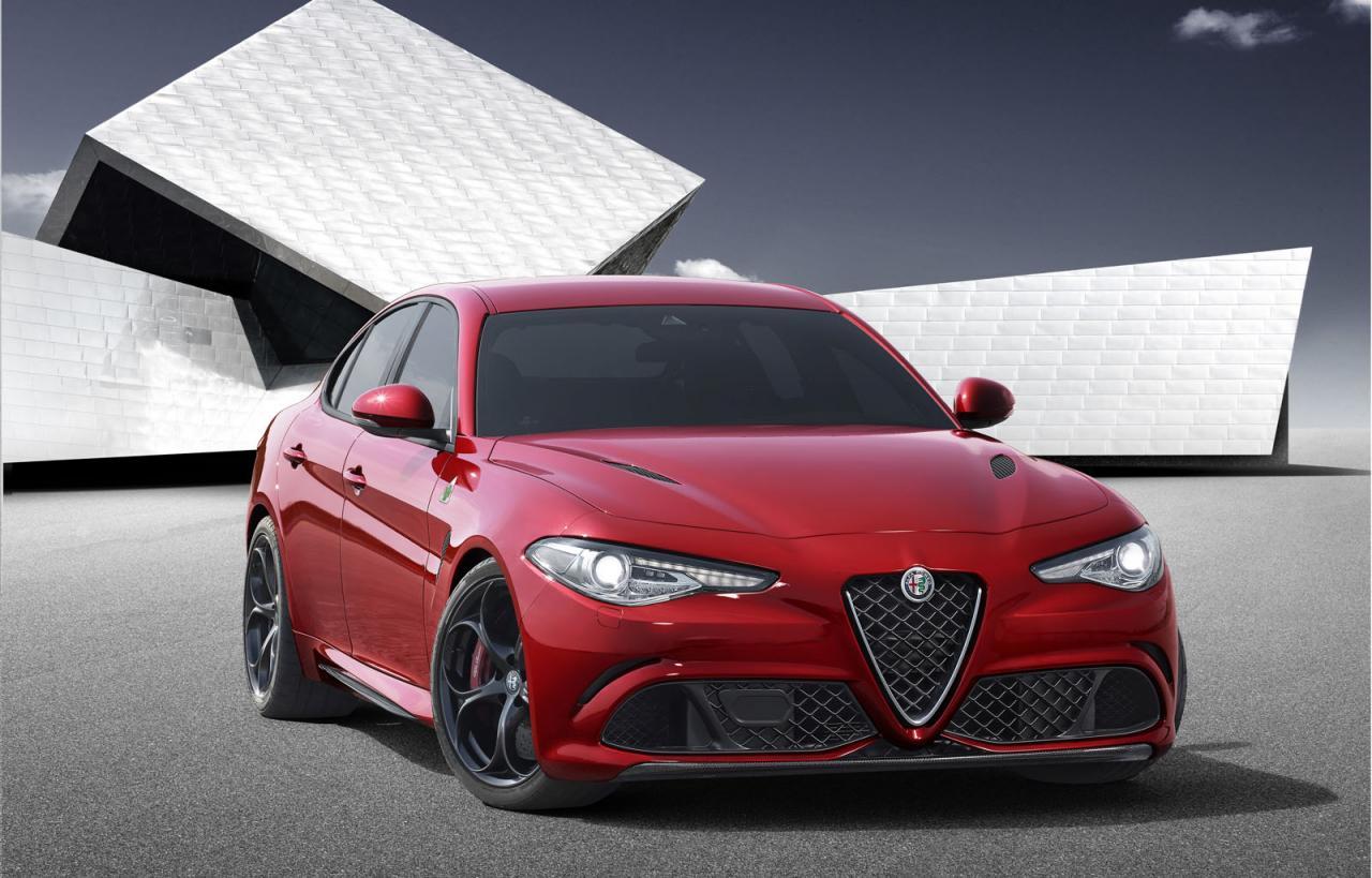 Alfa Romeo Giulia Quadrifoglio Verde на панорамном видео