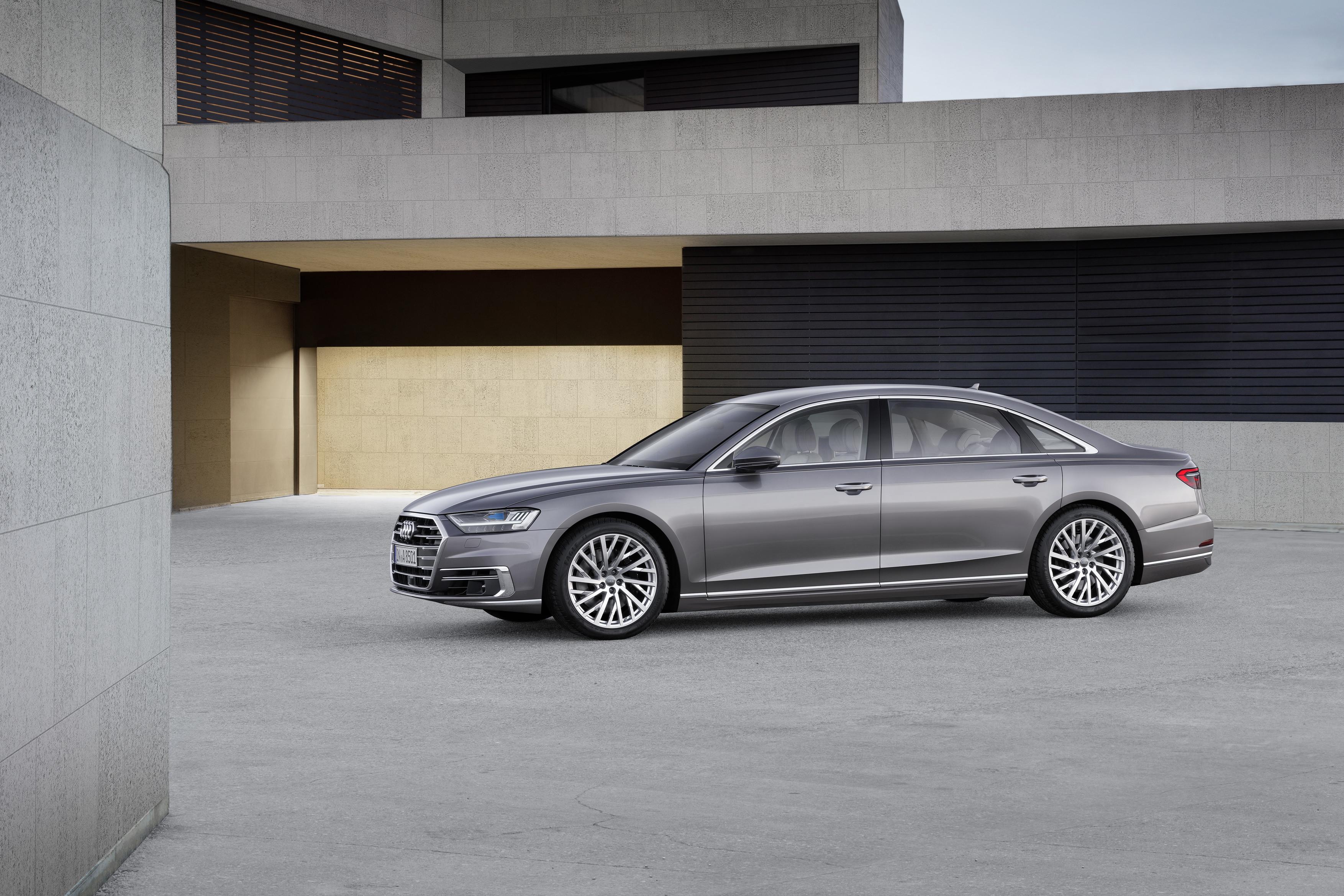 Флагманский седан Audi A8 представлен официально