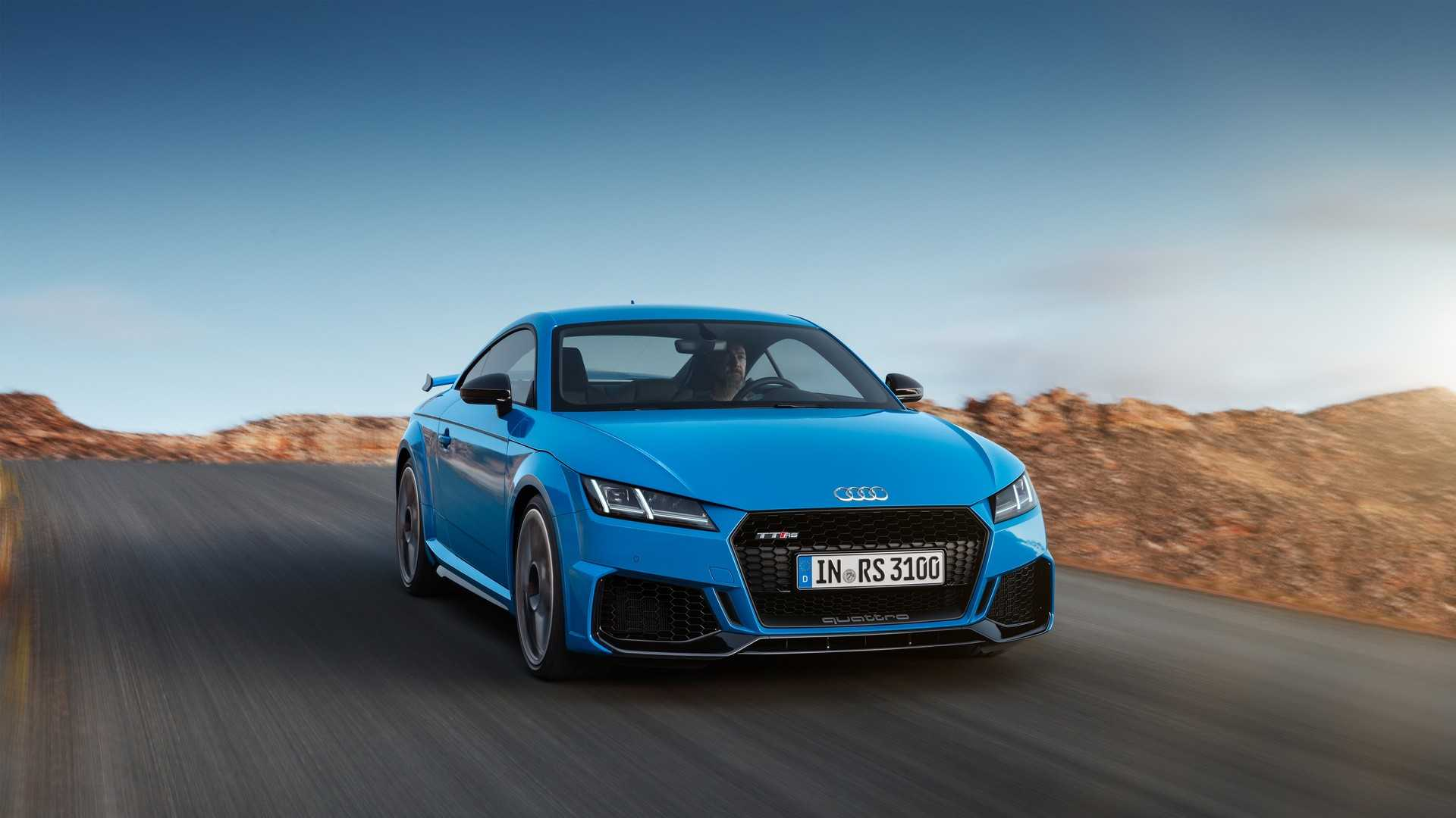 Купе и родстер Audi TT RS минимально обновились