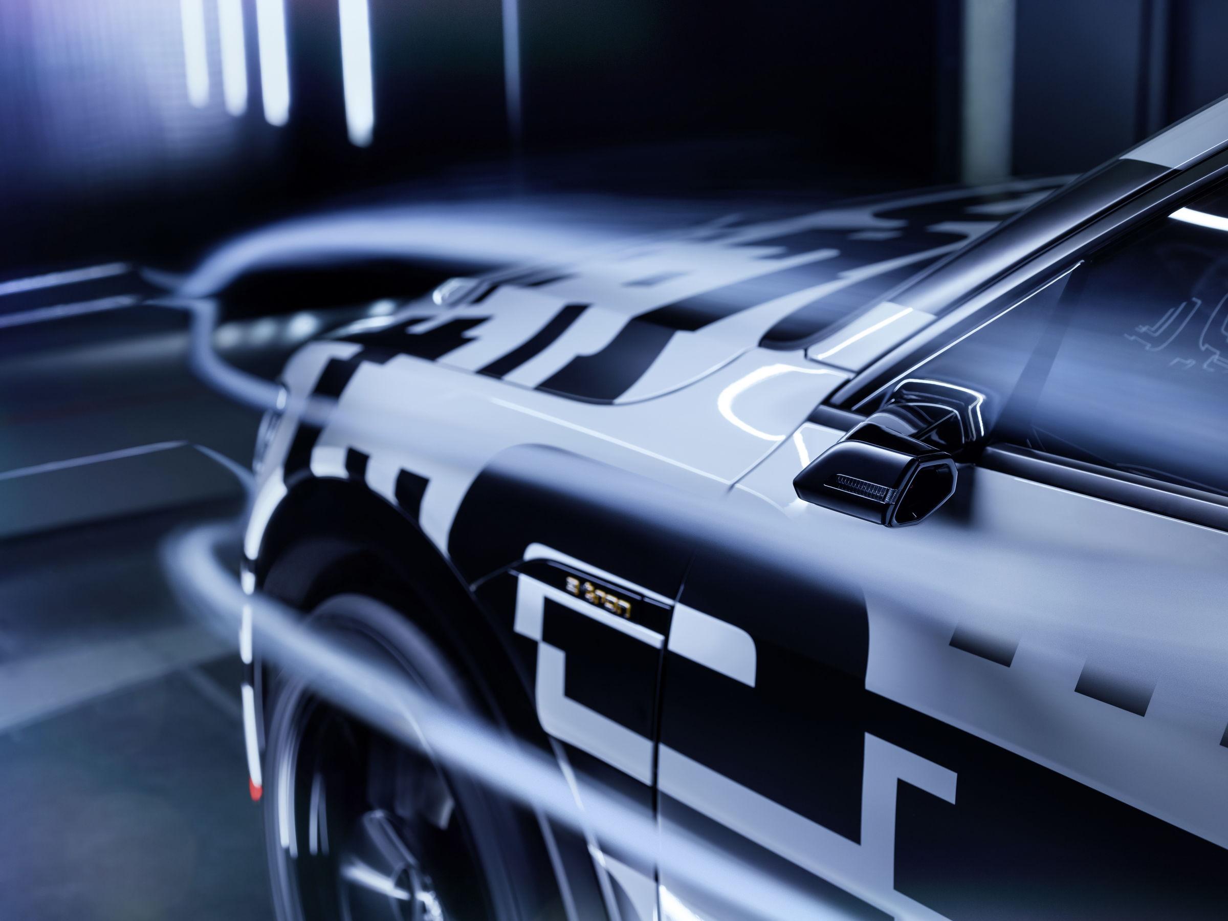 Новый электрокроссовер Audi e-tron получит виртуальные зеркала