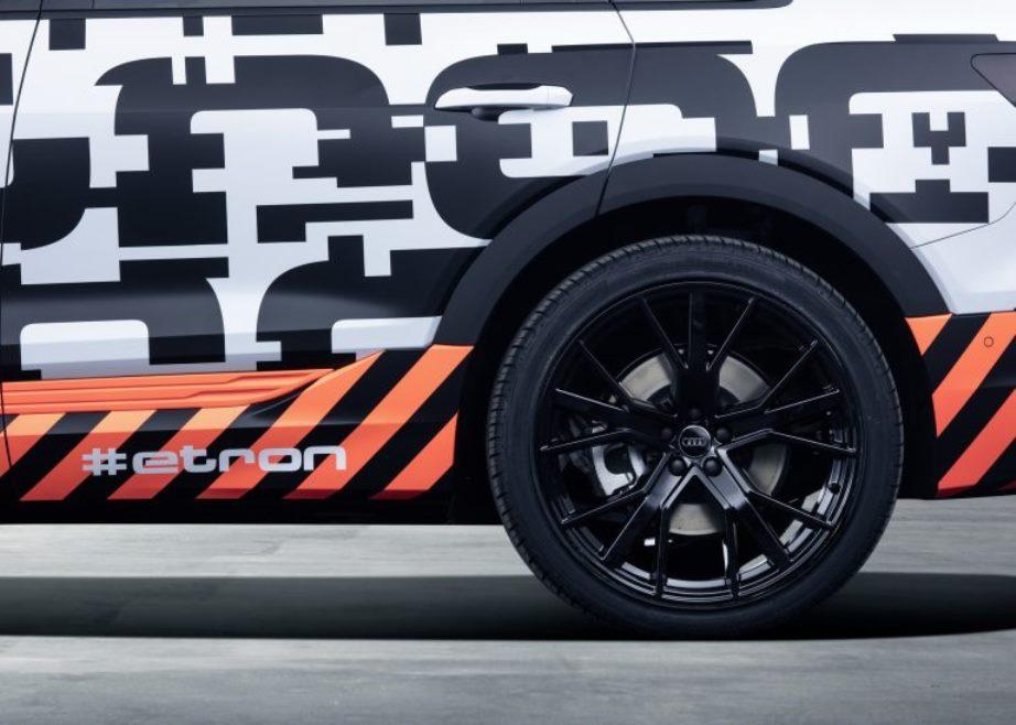Audi выведет на улицы Женевы прототипы электрокара E-Tron