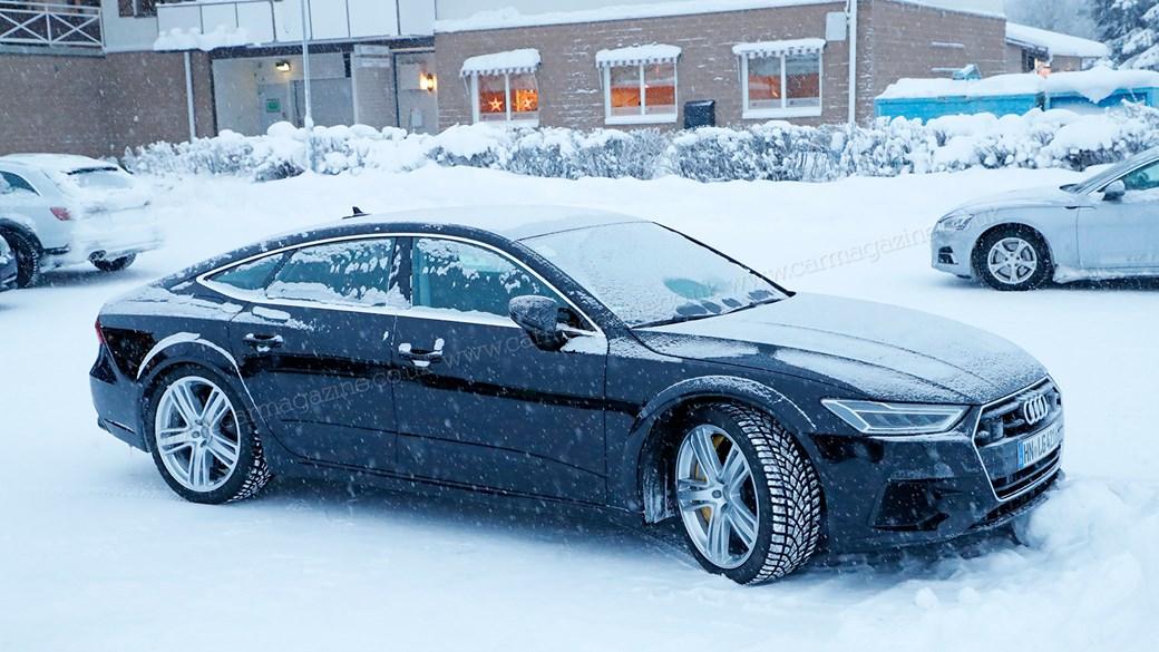 Прототип нового 600-сильного хэтчбека Audi RS7 запечатлели