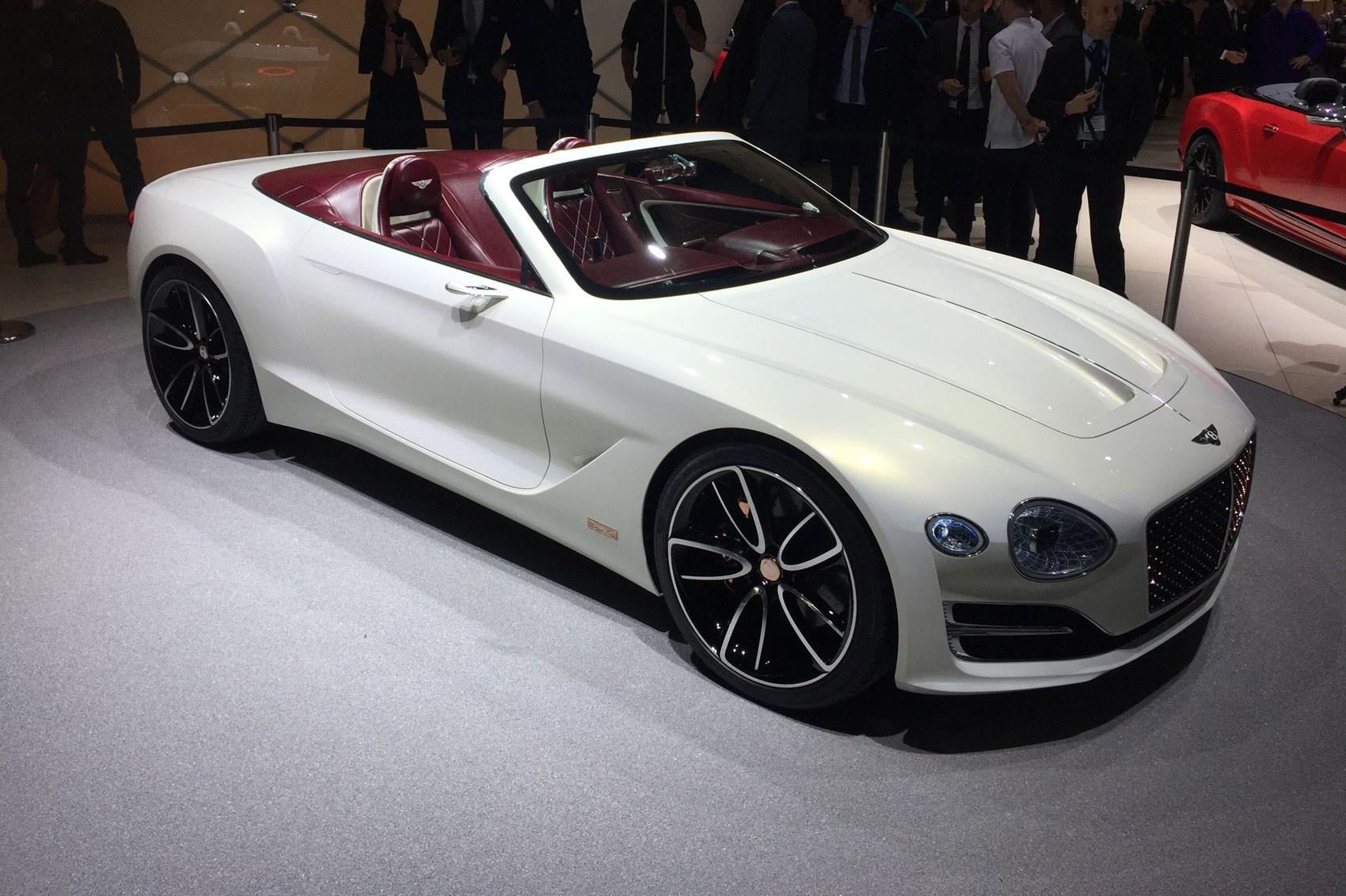 Bentley представила электрический родстер с беспроводной зарядкой