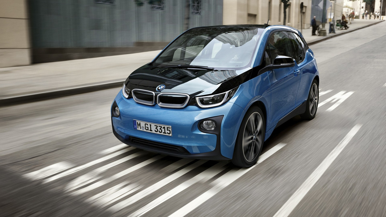 BMW увеличила запас хода электромобиля i3 до 300 км