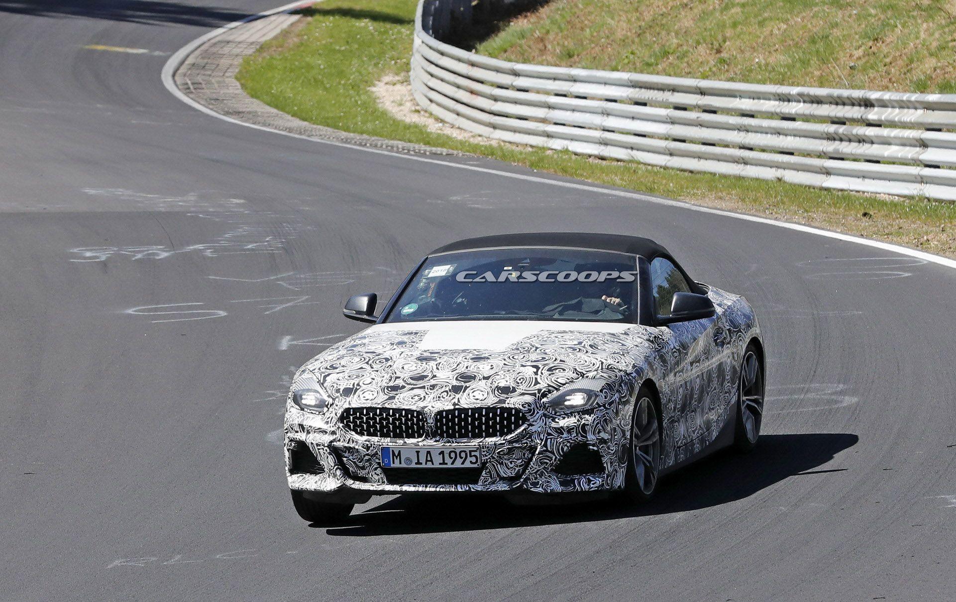 Салон нового родстера BMW Z4 показали на шпионских фото