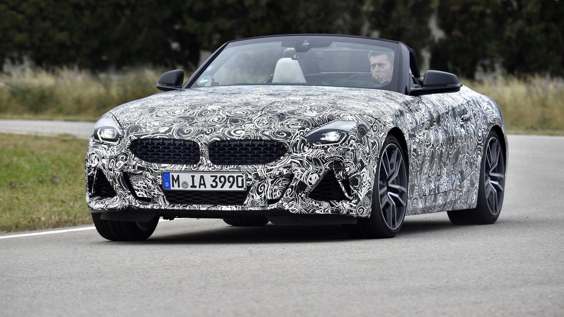 BMW показала новый закамуфлированный родстер Z4