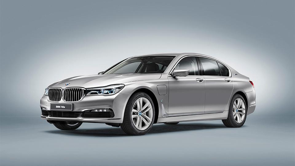 BMW сделала одно имя для всех подзаряжаемых гибридов