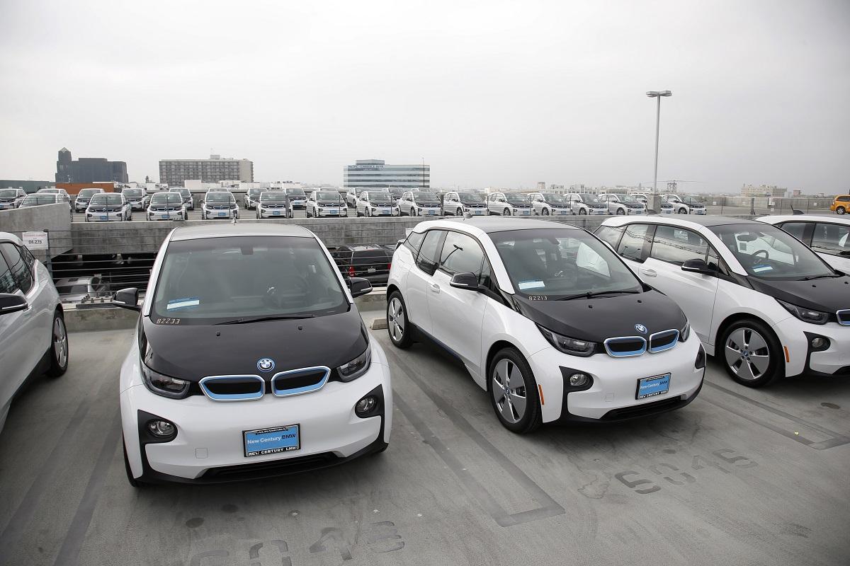 Полиция Лос-Анджелеса получит 100 электромобилей BMW i3