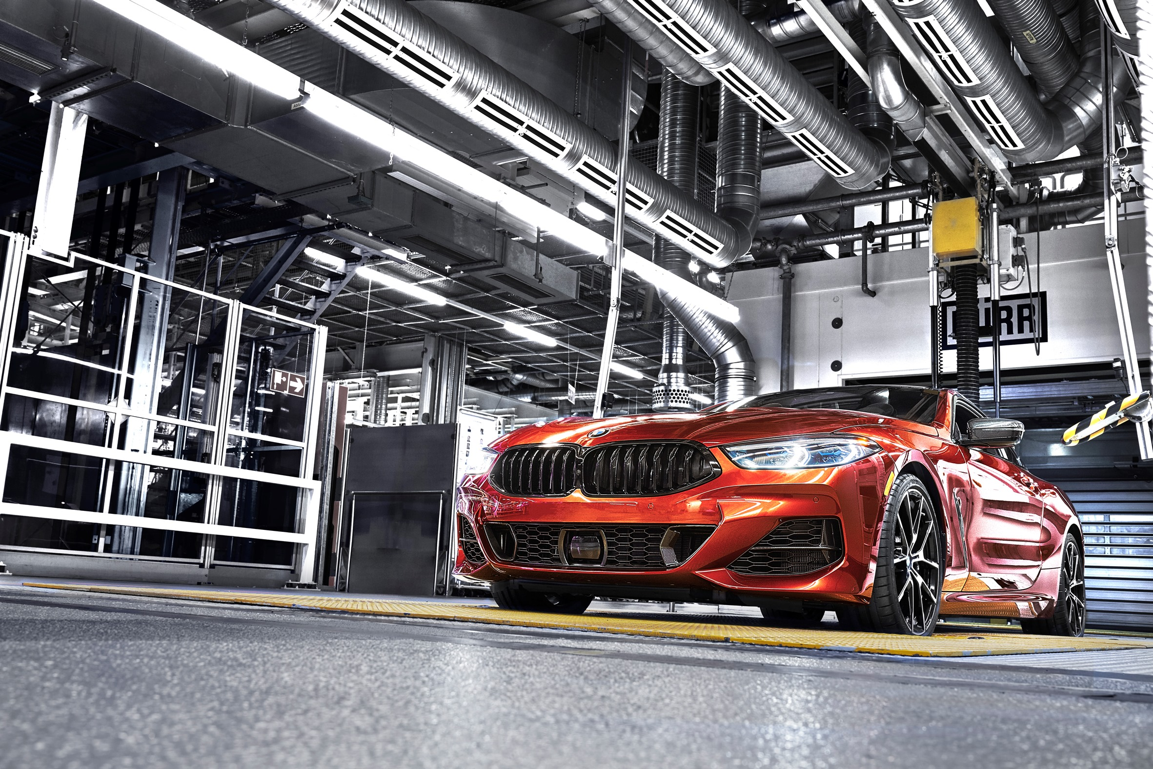 p90312704_highres_the-new-bmw-8-series.j