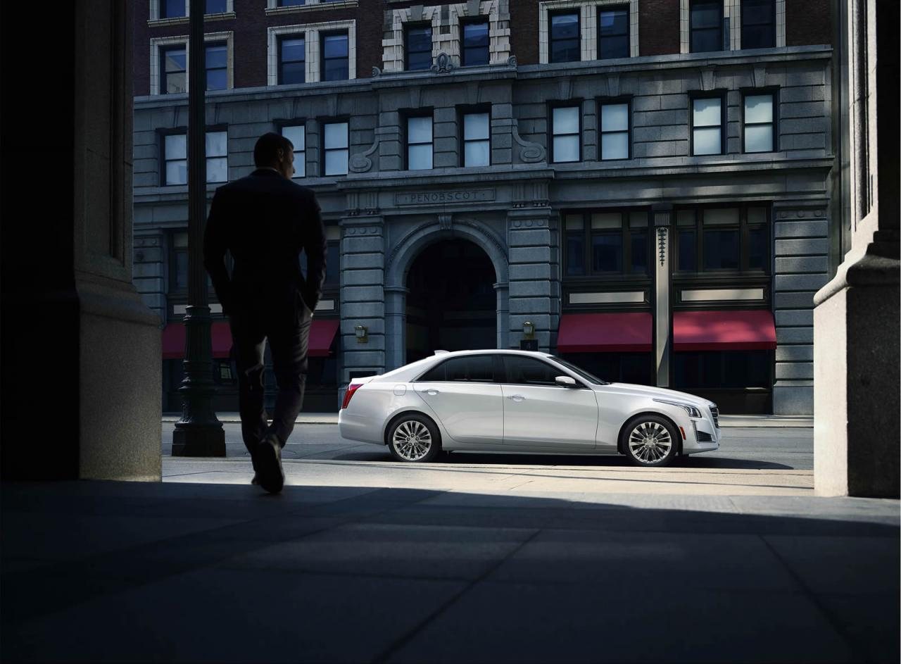 Cadillac CTS side