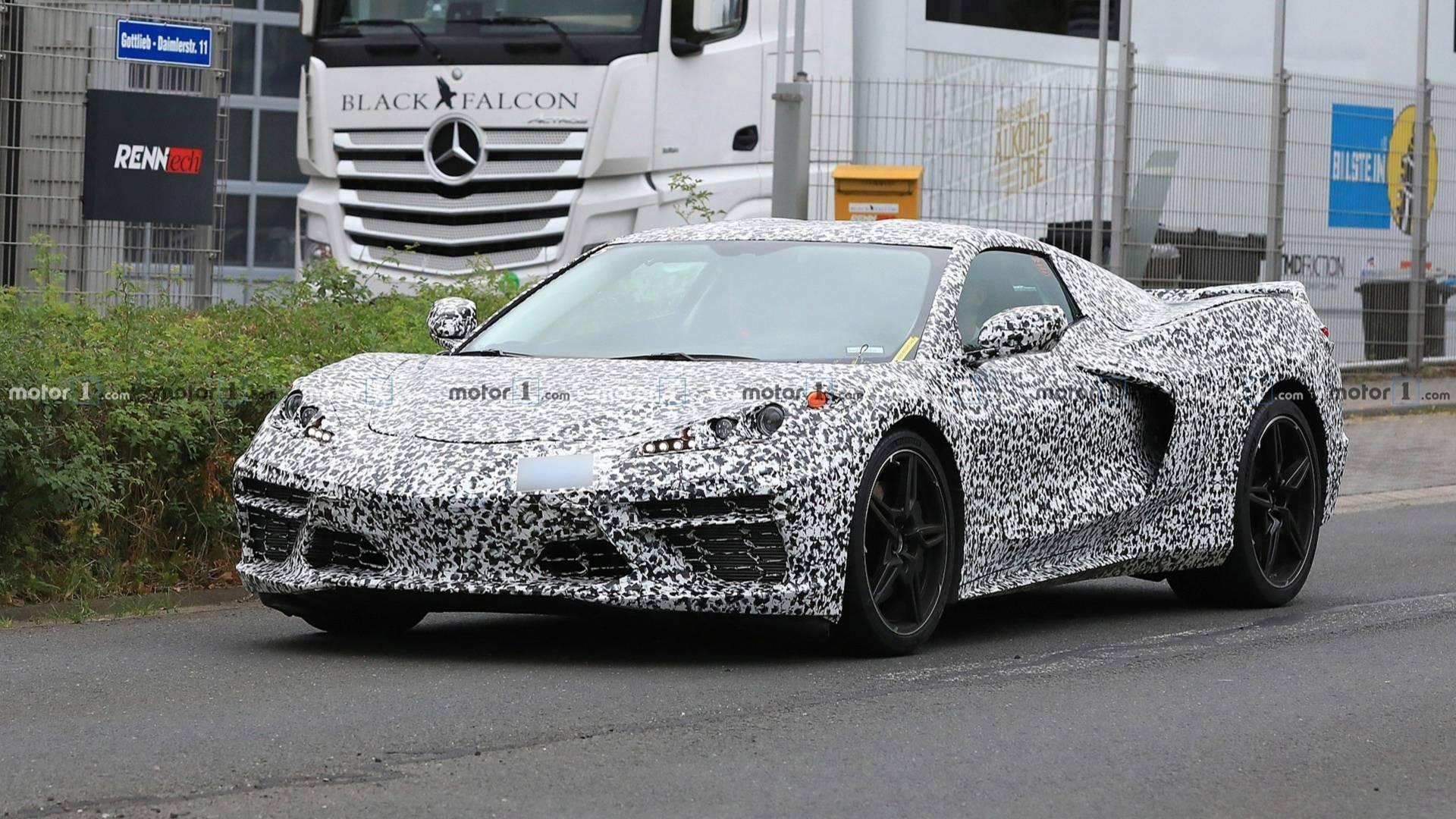 Купе Chevrolet Corvette C8 заметили на тестах