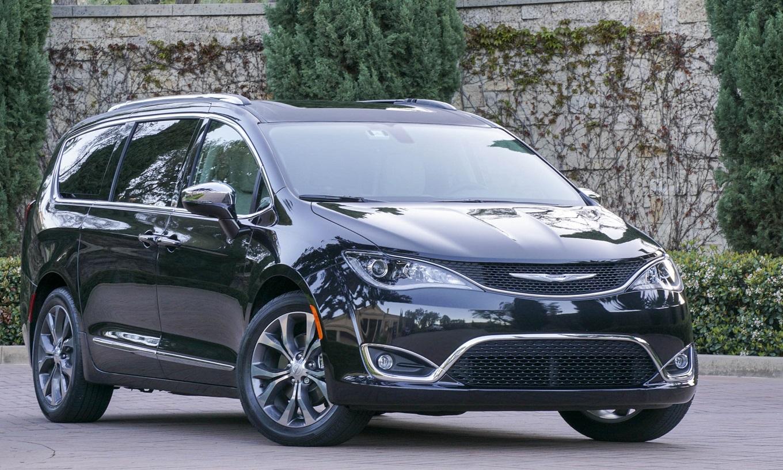 Навыставке CES-2017 FCA покажет электрическую версию минивэна Chrysler Pacifica