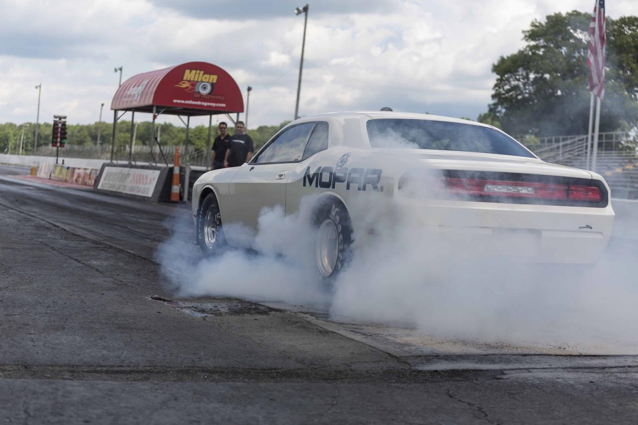 Dodge Challenger Drag