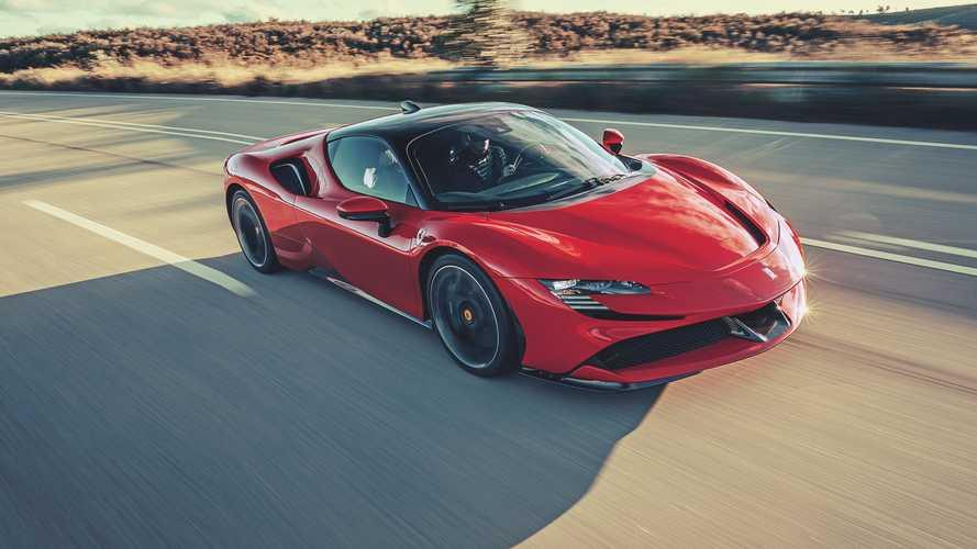 Новый Ferrari SF90 Stradale снимется в кино