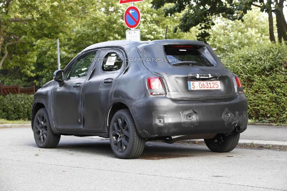 Fiat 500X rear