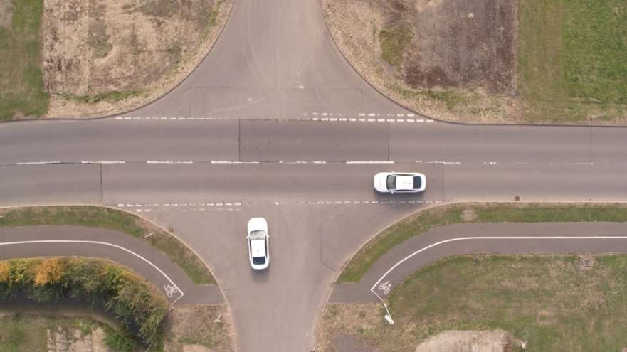 В Ford придумали как отказаться от светофоров
