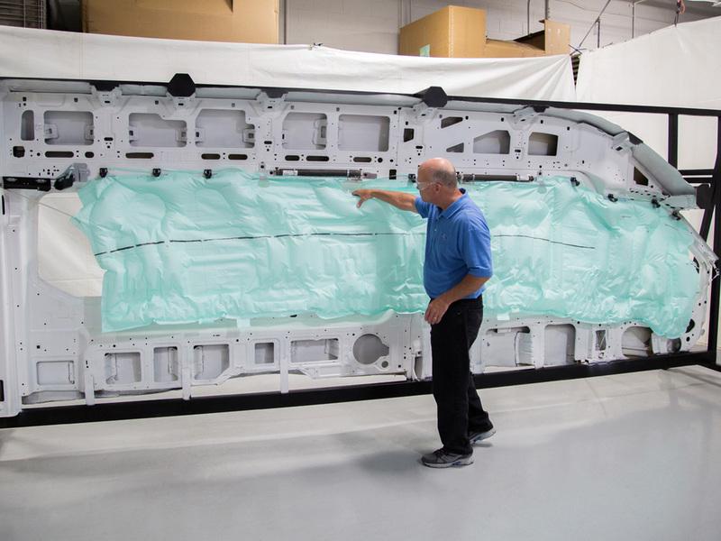 Ford Transit получит пятиметровою подушку безопасности