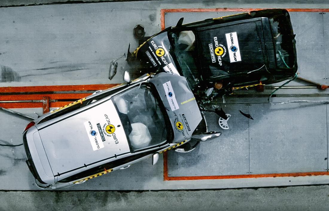 Видео: старый и новый Ford Fiesta встретились во фронтальном краш-тесте
