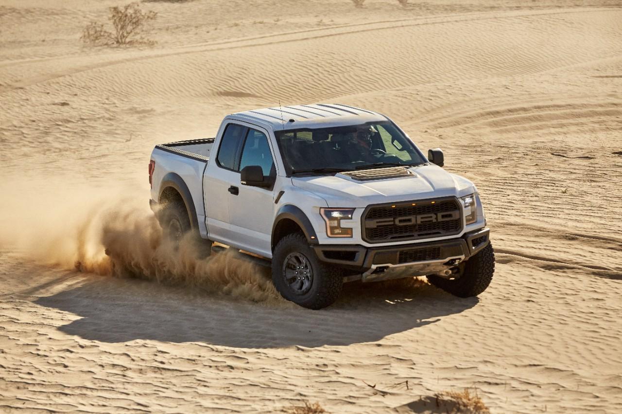 У Ford F-150 Raptor появится режим гонок по пустыням