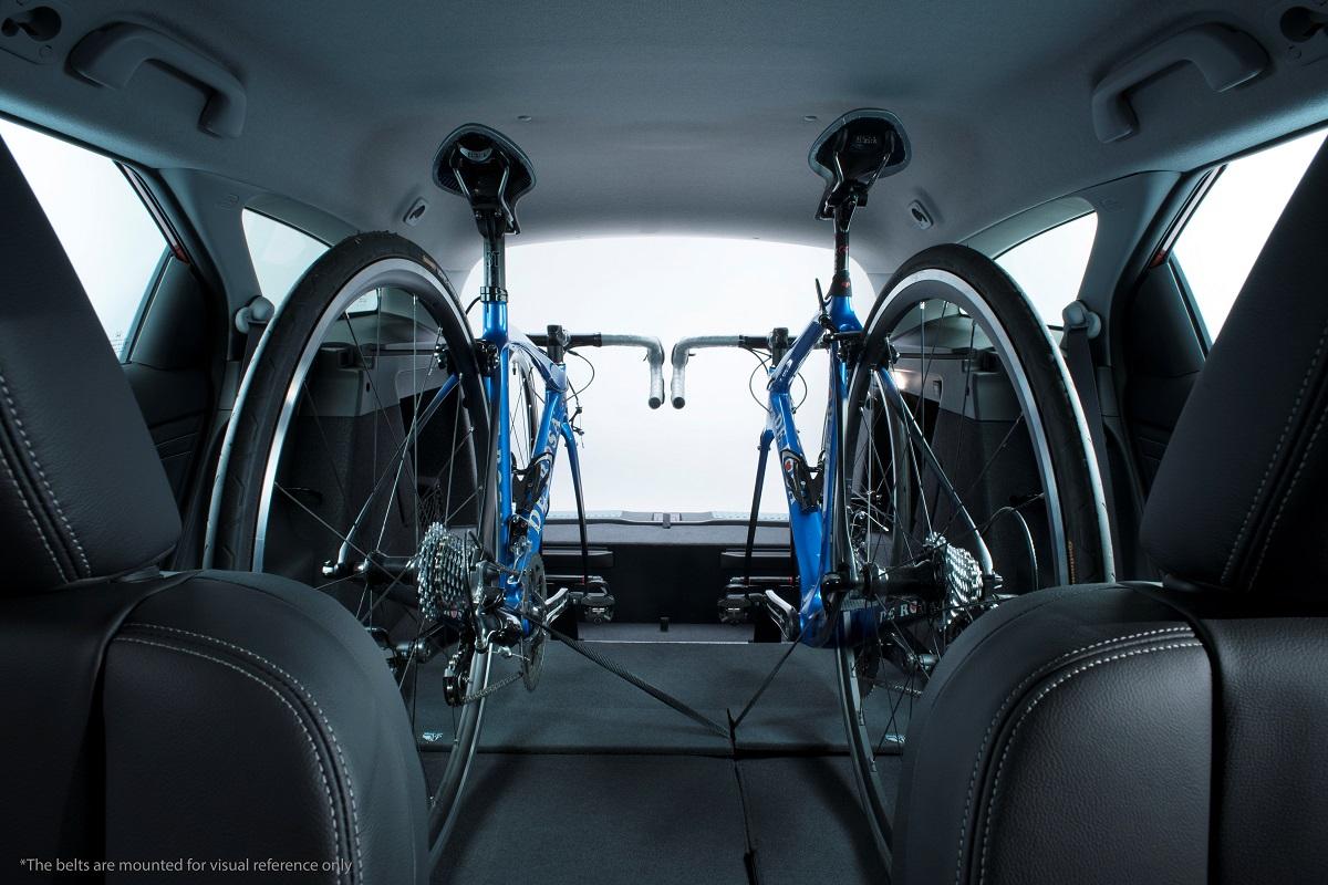 Серийный универсал Honda Civic получил встроенный велобагажник