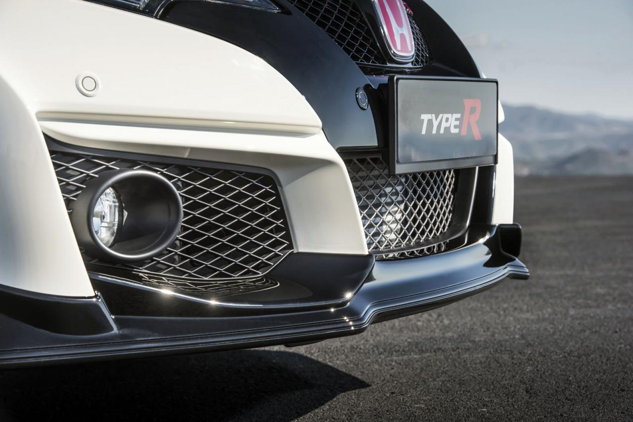 Honda сделала новый Civic Type R «присасывающимся к асфальту»