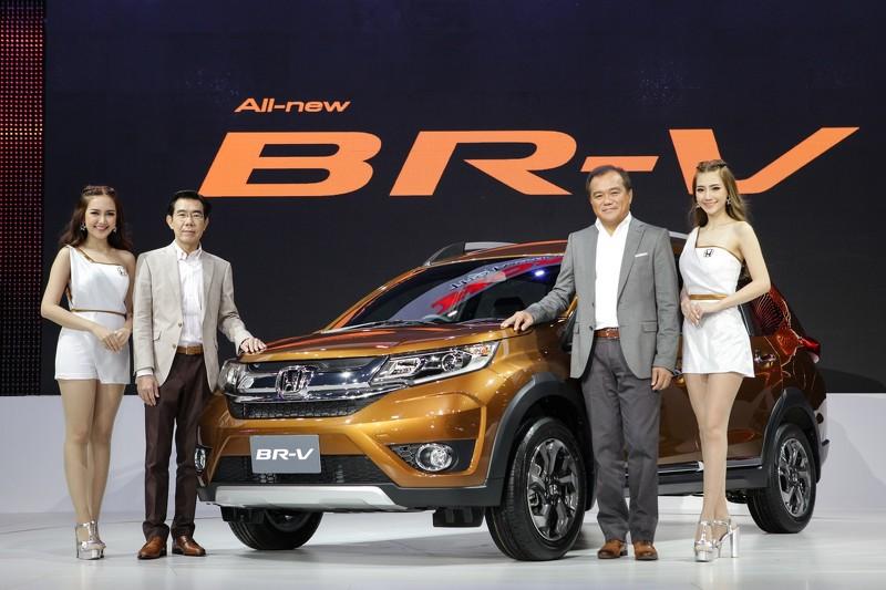 Семиместная Honda BR-V оказалась дороже $  22 тыс.