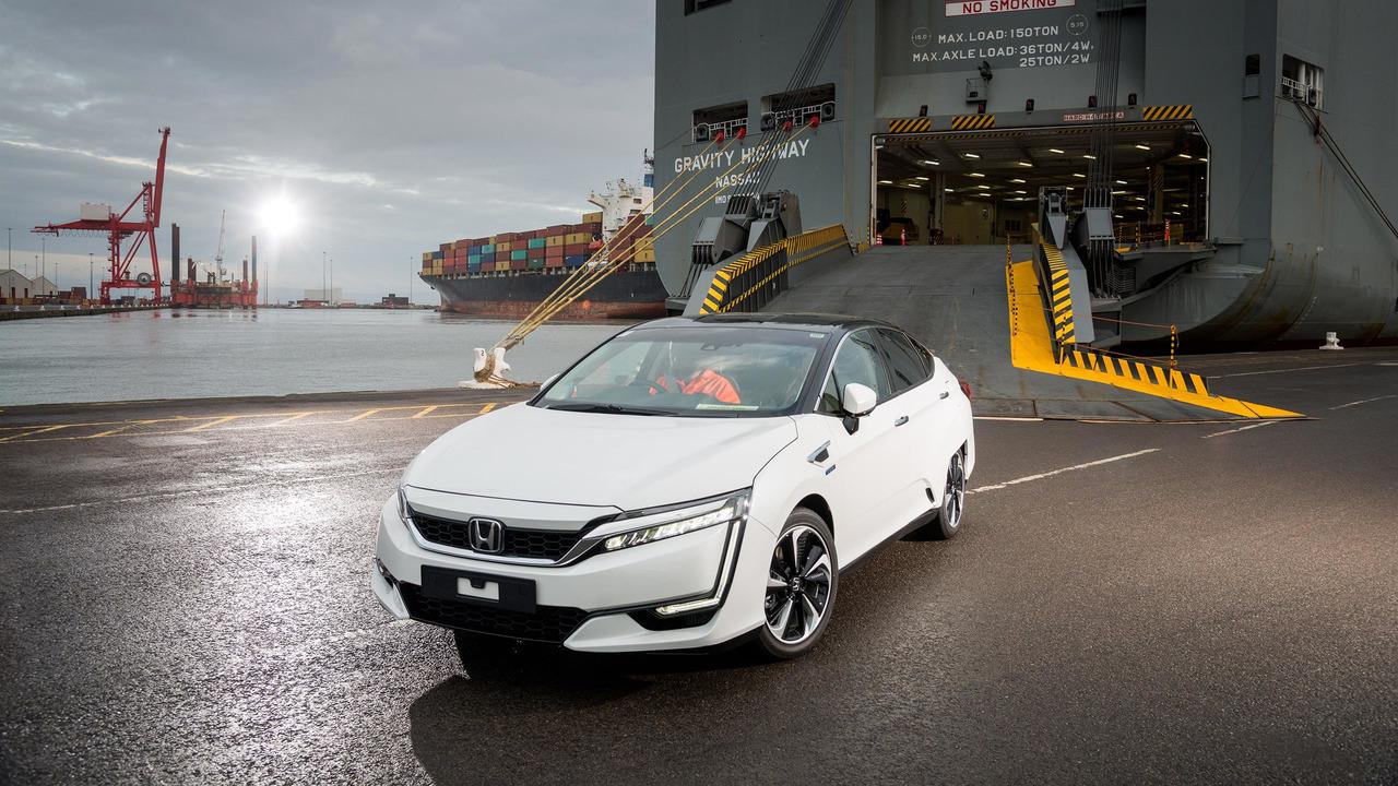 В Европу прибыла первая партия водородных Honda Clarity