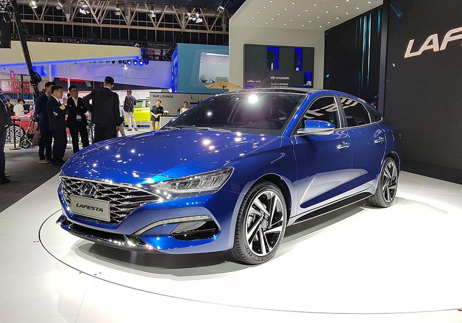 Hyundai привезла в Пекин новый седан Lafesta