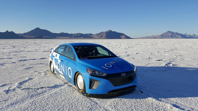 Hyundai Ioniq установил рекорд скорости для гибридов