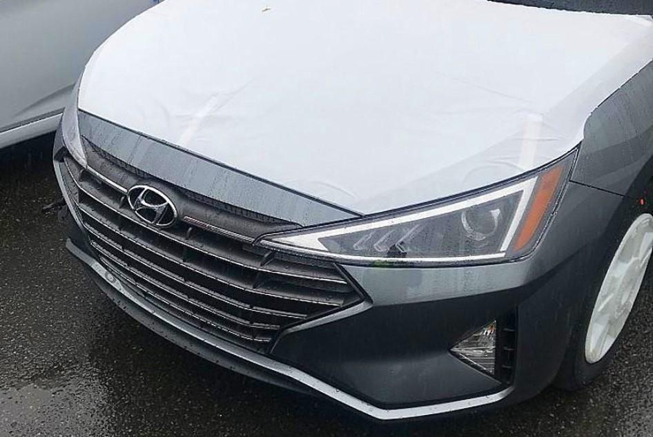 Обновлённый Hyundai Elantra раскрыли на шпионских фотографиях