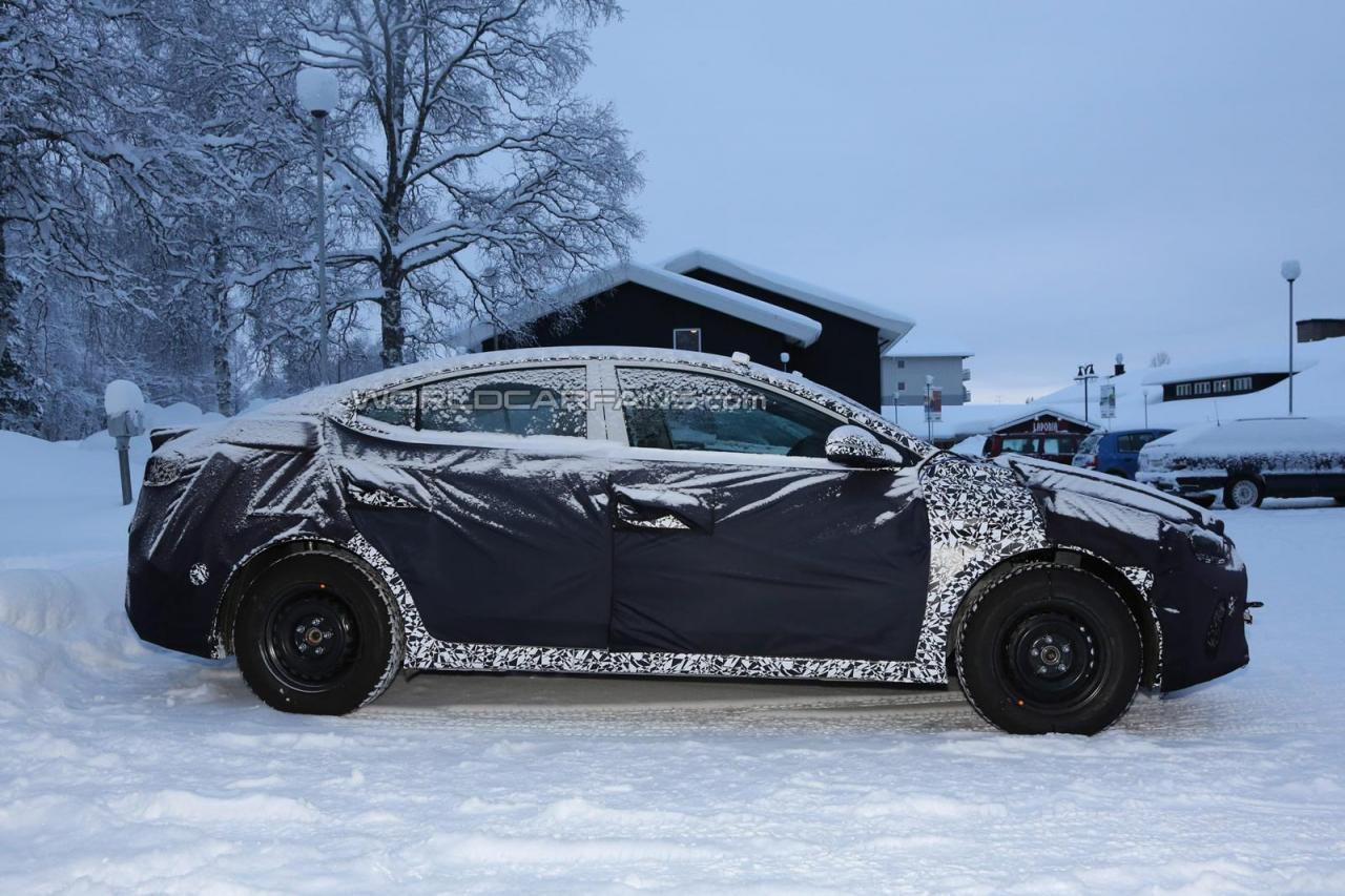 Hyundai Elantra Spy